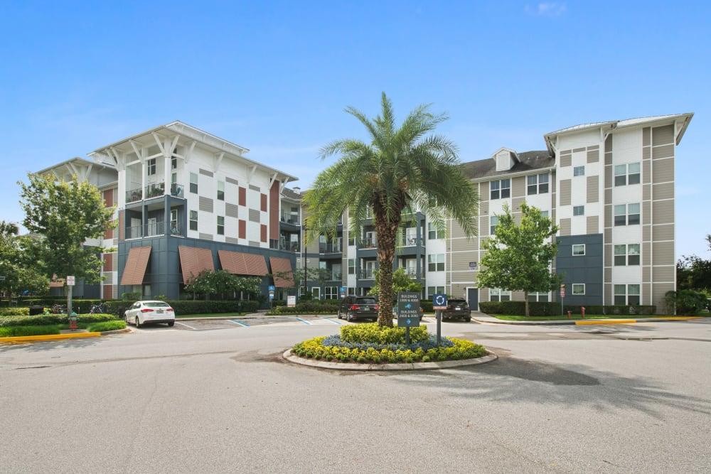 Exterior of Linden Crossroads in Orlando, Florida