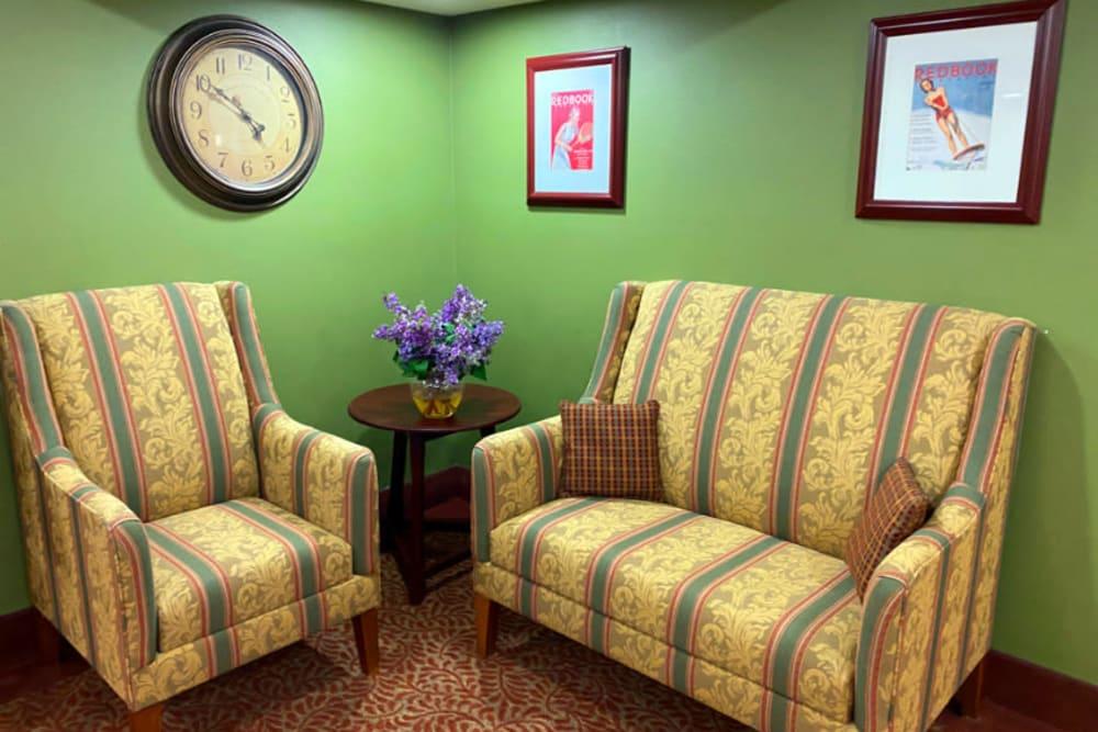 sitting area at The Iris Senior Living in Great Falls, Montana