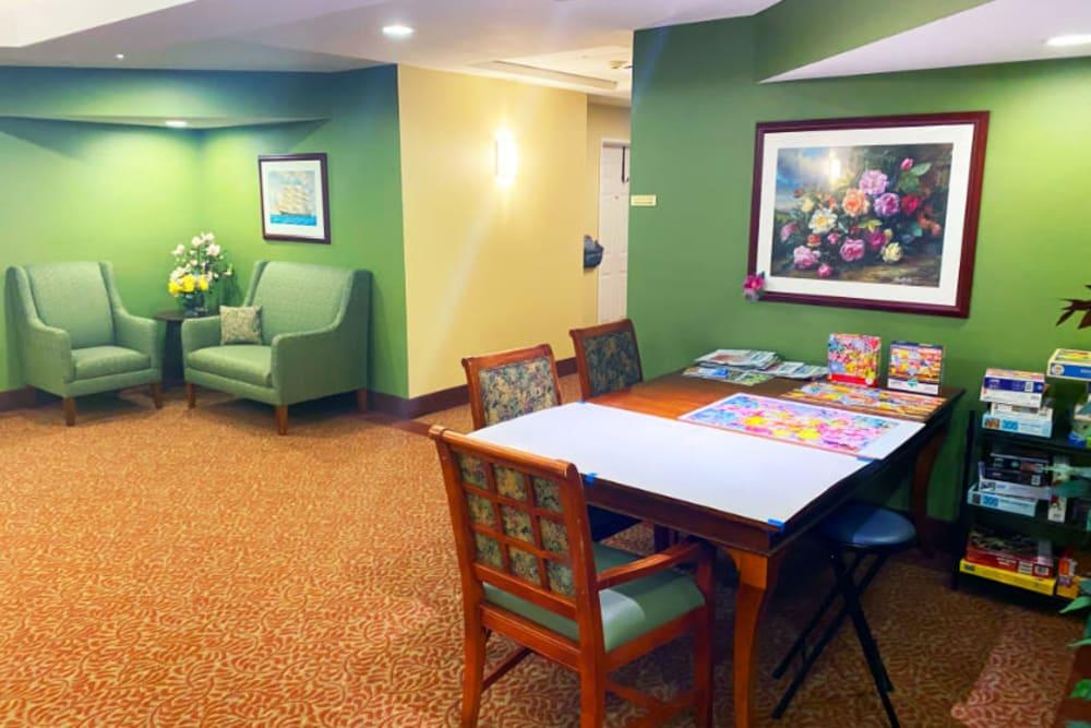 lounge at The Iris Senior Living in Great Falls, Montana