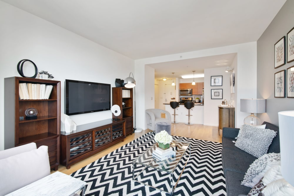 Open concept layout at Skyline New Rochelle