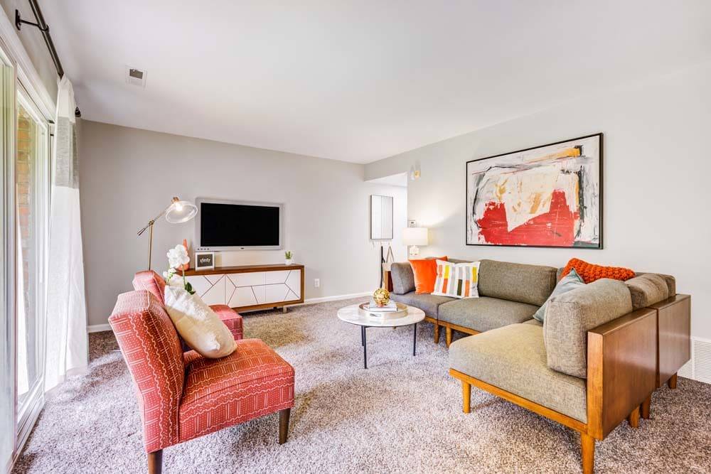 A cozy living room at Howard Crossing in Ellicott City, Maryland
