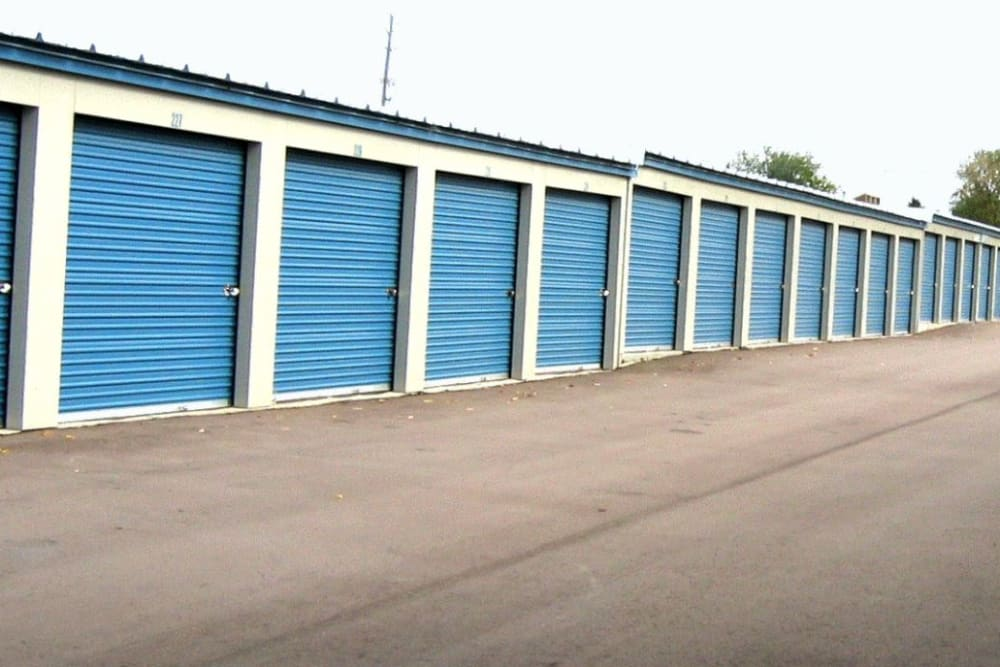 The drive up storage units available for rent at Better Storage Fenton Road In Grand Blanc