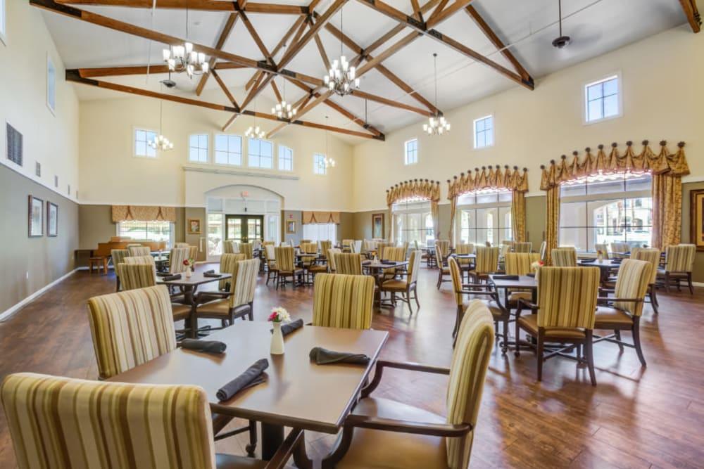 Large community dining room at Truewood by Merrill, Scottsdale in Scottsdale, Arizona