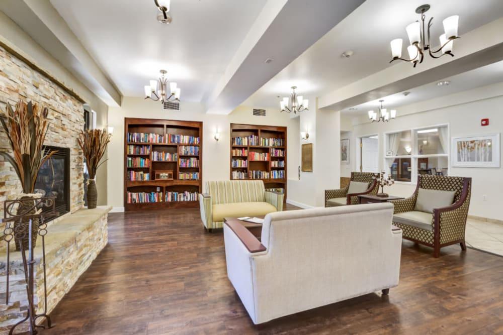 Lounge with bookshelves at Truewood by Merrill, Scottsdale in Scottsdale, Arizona