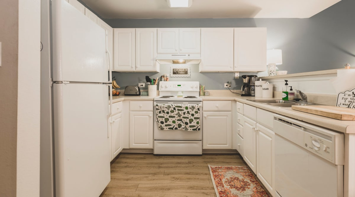 Kitchen with modern appliances at Sunchase at Longwood in Farmville, Virginia
