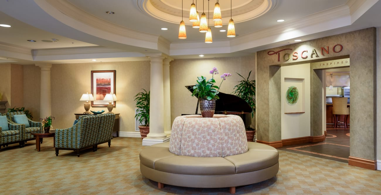 Lobby at The Bellettini in Bellevue, WA