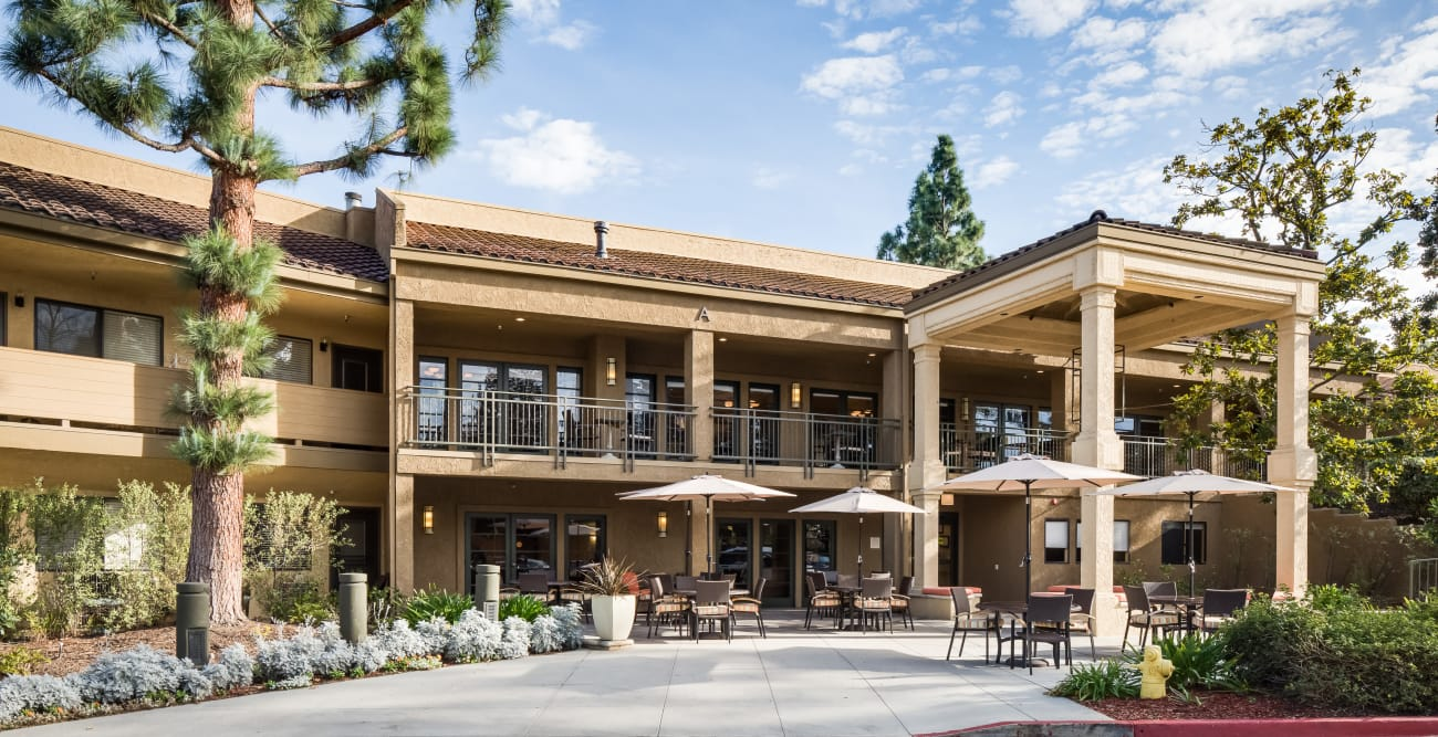 Front entrance of The Reserve at Thousand Oaks in Thousand Oaks, California