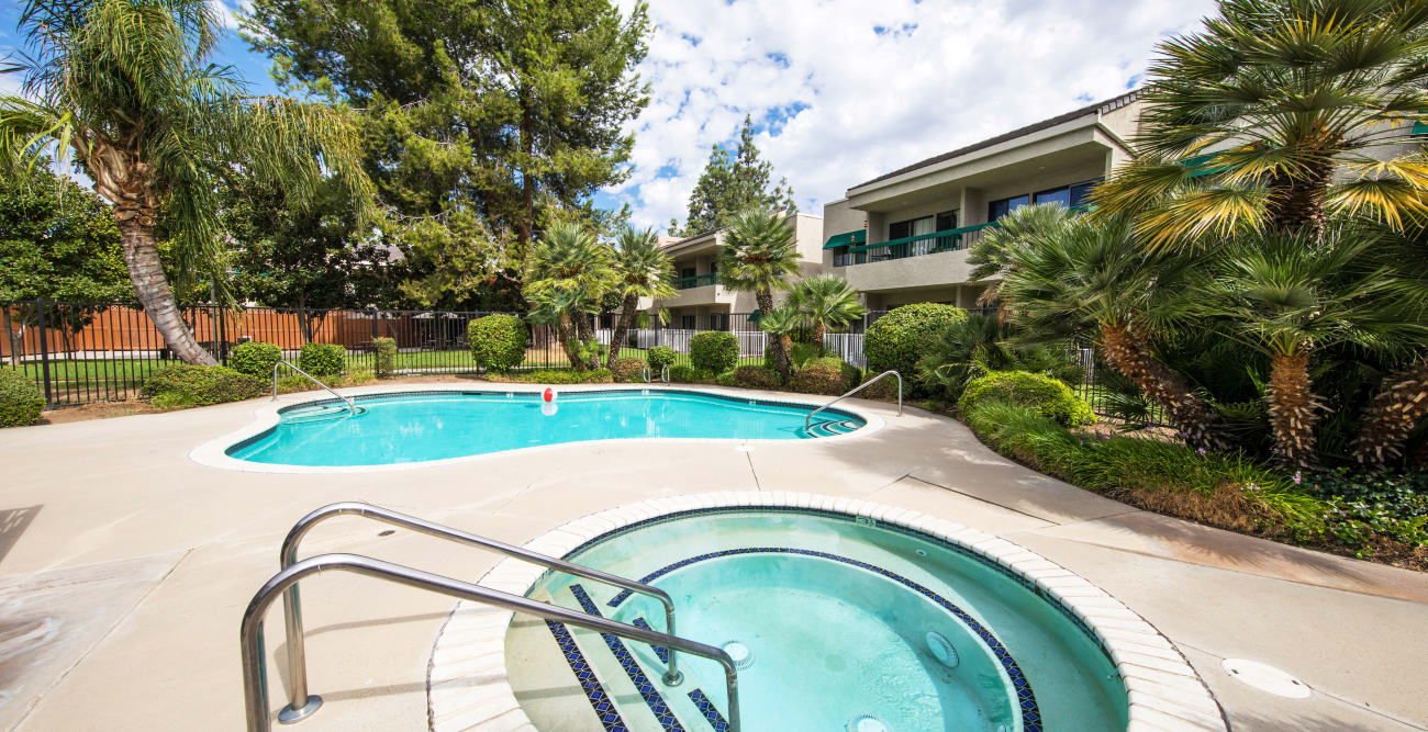 Citrus Place offers a swimming pool in Riverside, California