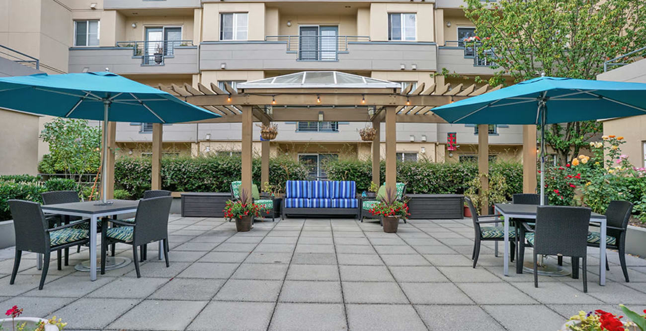 Entrance to Island House Assisted Living in Mercer Island, Washington