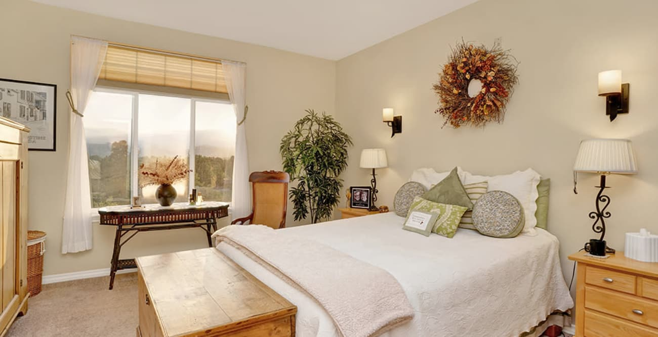 Bedroom at Hillcrest of Loveland in Loveland, Colorado