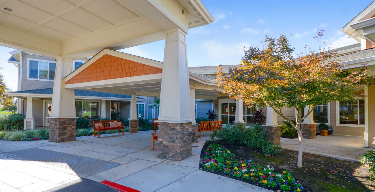 Covered entrance at The Commons at Elk Grove in Elk Grove, California