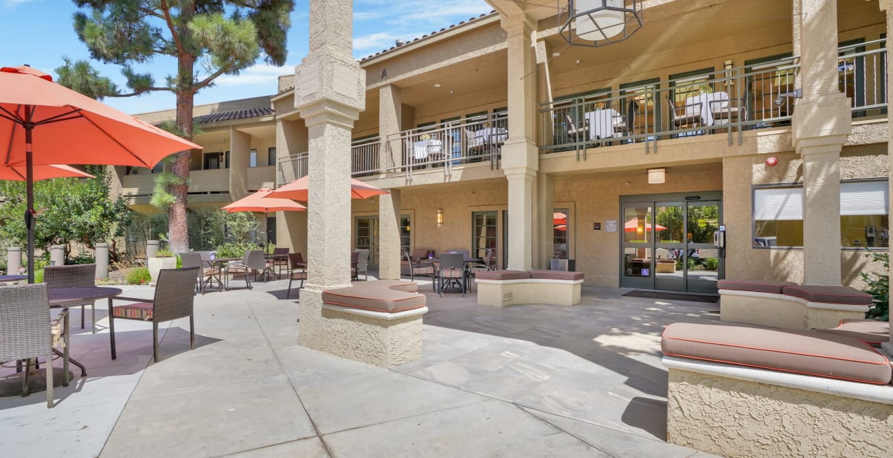 courtyard at The Reserve at Thousand Oaks