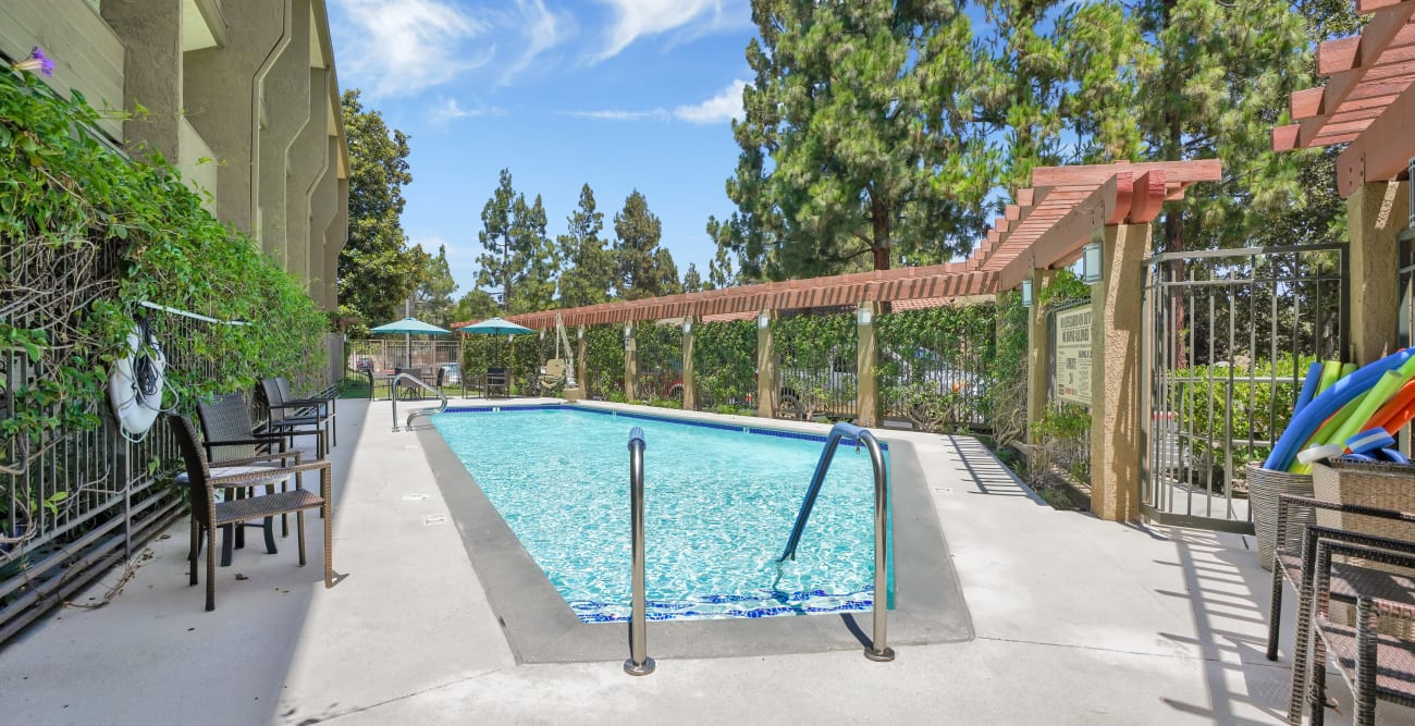 Outdoor pool at The Reserve at Thousand Oaks
