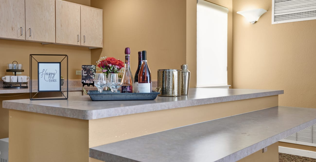 kitchen counter with wine at Crystal Terrace of Klamath Falls