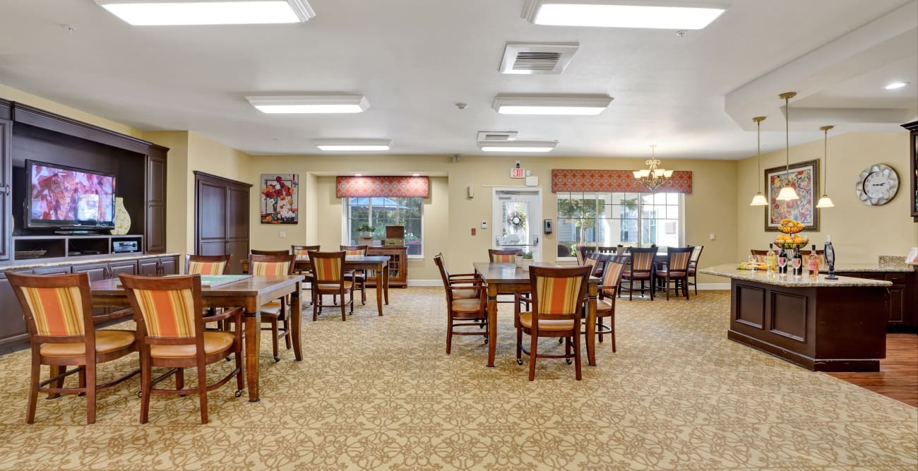 The Commons at Elk Grove lounge