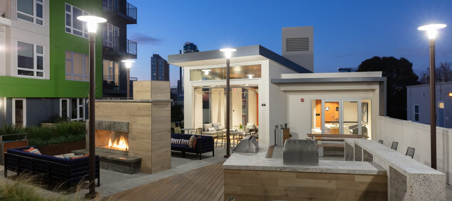 Rooftop Resident Lounge with Grill & Fire Pit at Sparq