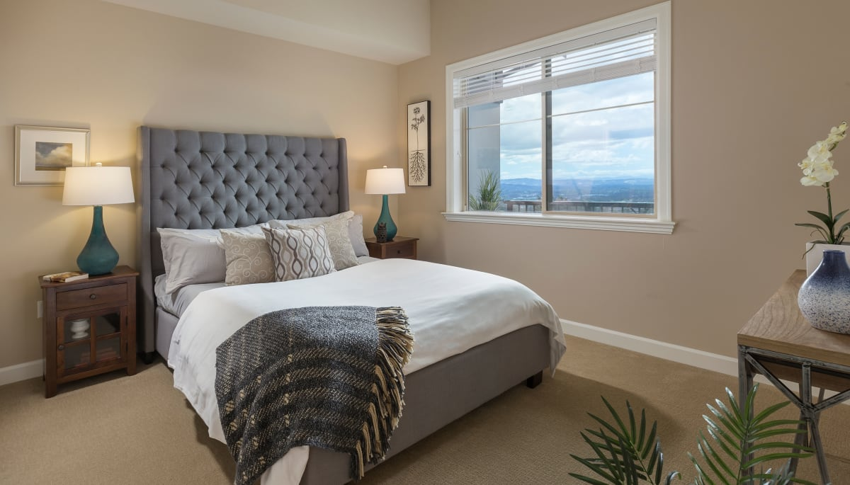 Independent living bedroom of Touchmark in the West Hills in Portland, Oregon