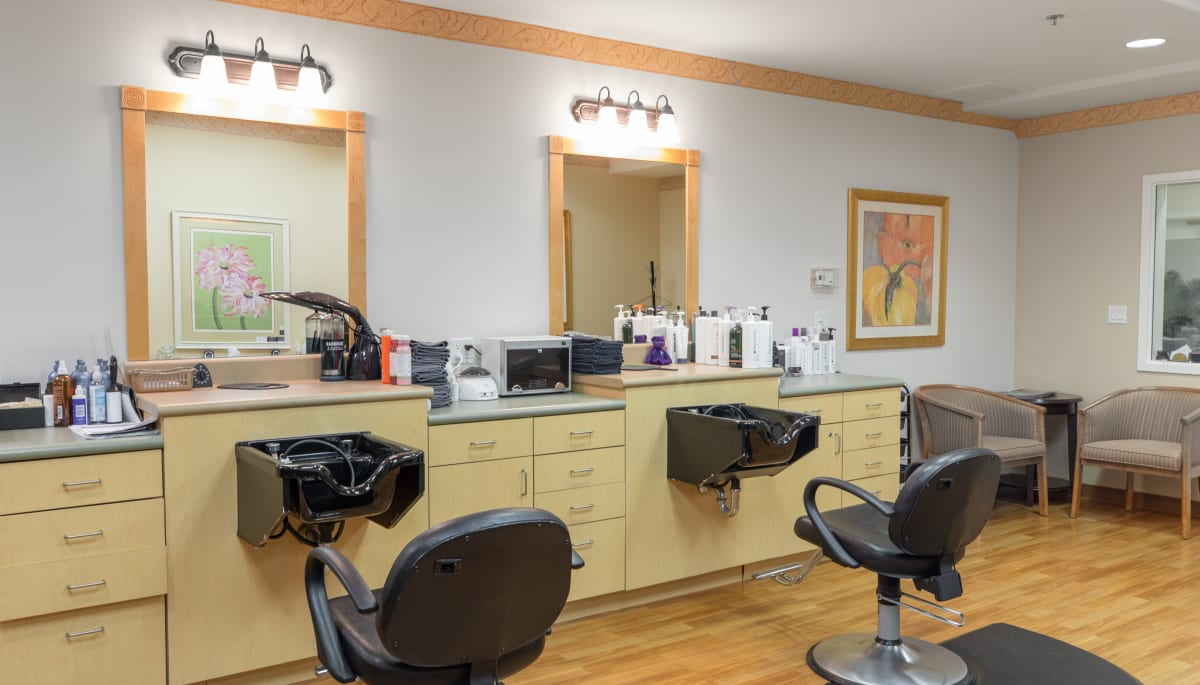 salon at Touchmark at Wedgewood in Edmonton, Alberta
