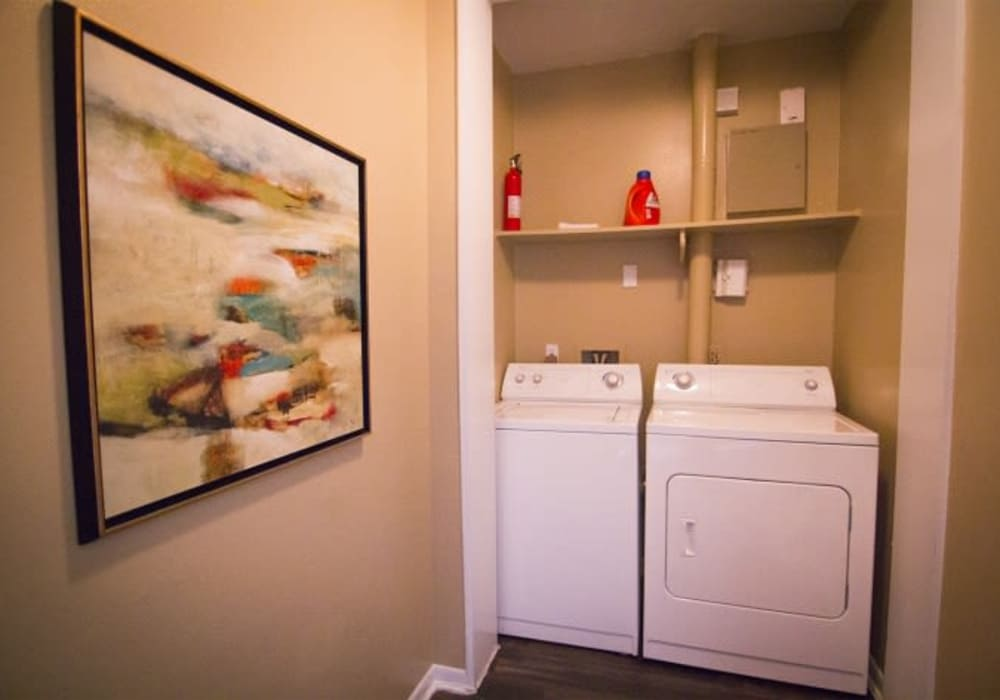 Washer and dryer at Metro 5514 in Houston, Texas