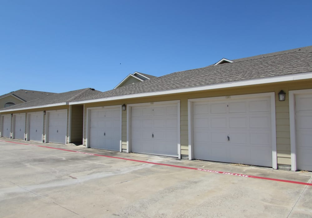 Garages available at Pavilions at Northshore in Portland, Texas