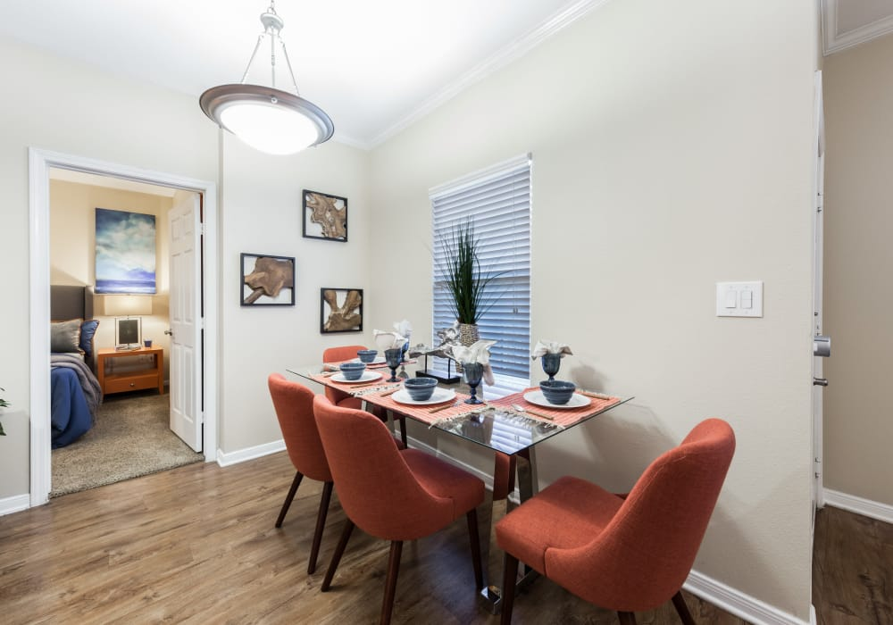 Ample dining room at Pavilions at Northshore in Portland, Texas