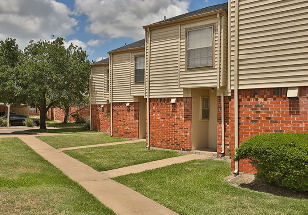 Apartment building exterior at Willow Oaks Apartments in Bryan, Texas