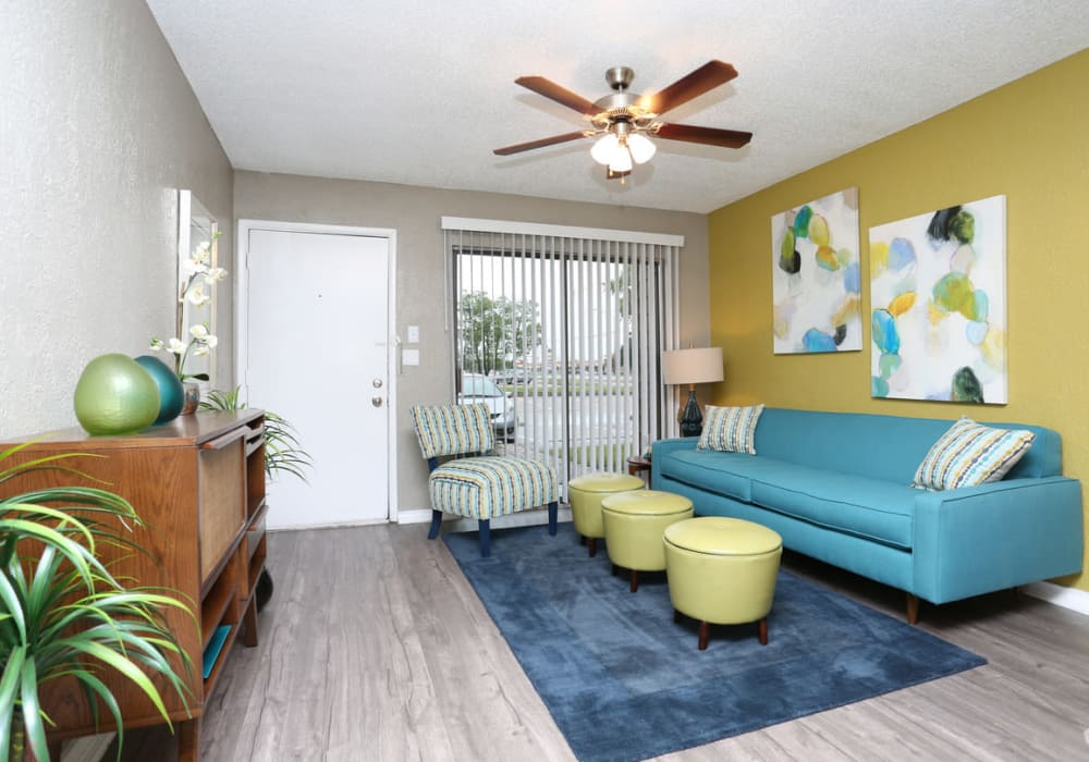 Living room at Sundance Apartments in College Station, Texas