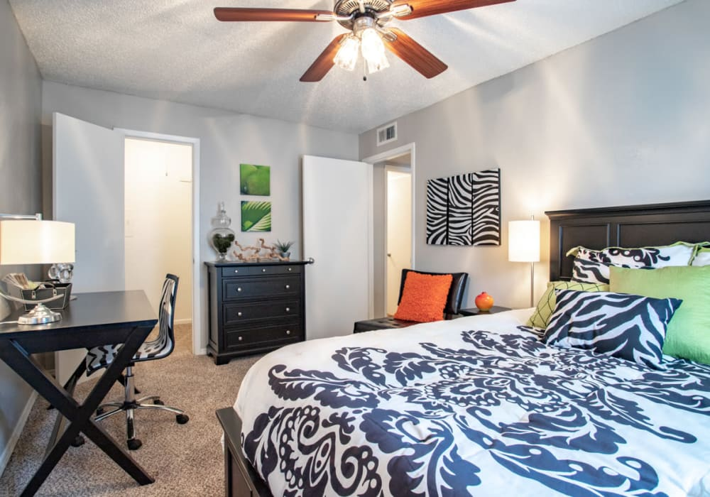 Willowick Apartments offers a Bedroom in College Station, Texas