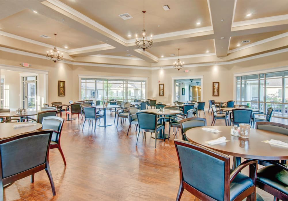 Elegant dining room at Village on the Park Bentonville in Bentonville, Arkansas