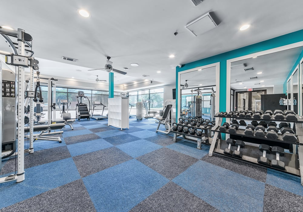 Axis 3700 offers a 24-hour gym in Plano, Texas