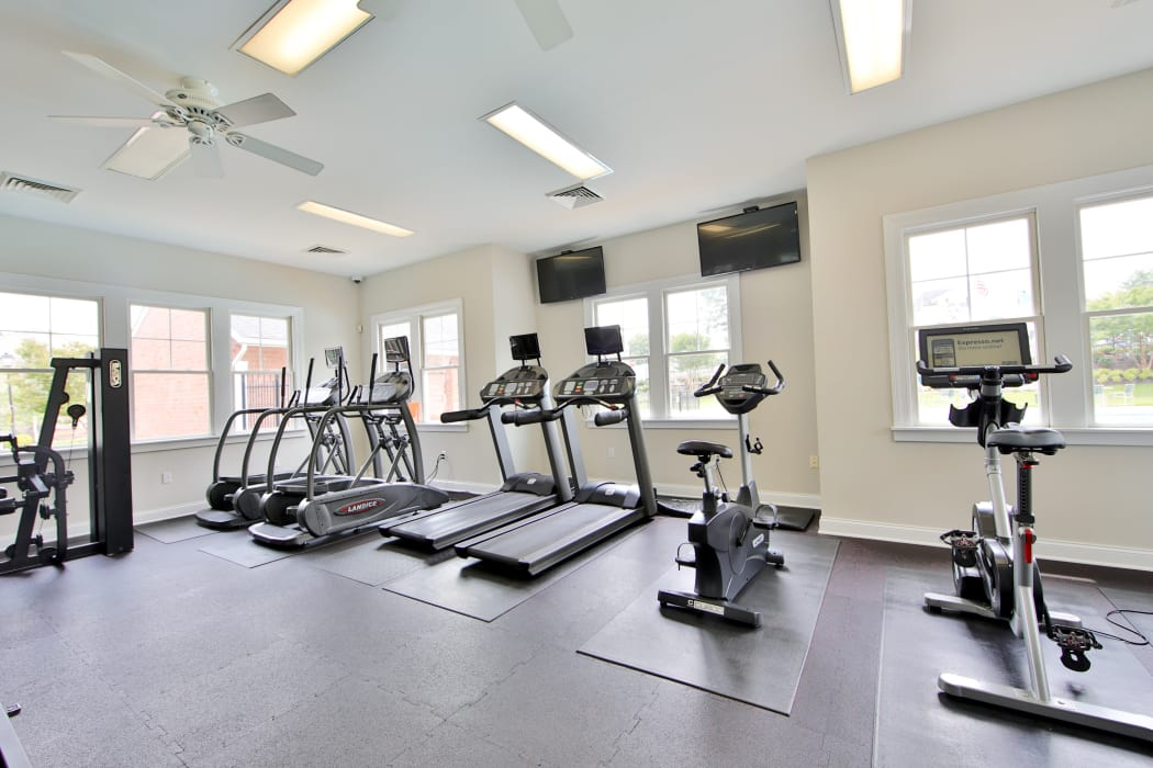 Fitness center at Silver Spring Station Apartment Homes in Baltimore, MD