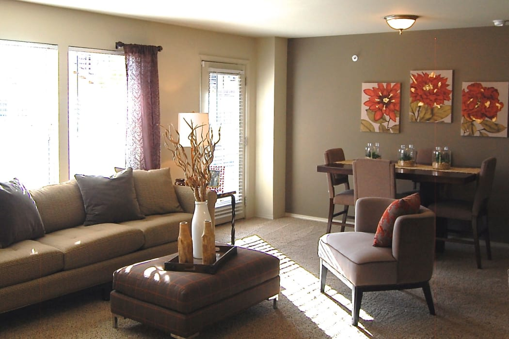 Well decorated living room at Park at Coulter in Amarillo, Texas
