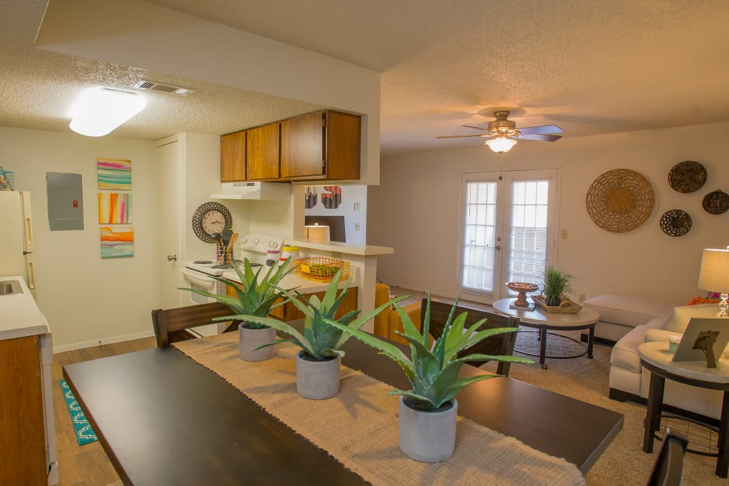 An open apartment floor plan at Cimarron Trails Apartments in Norman, Oklahoma
