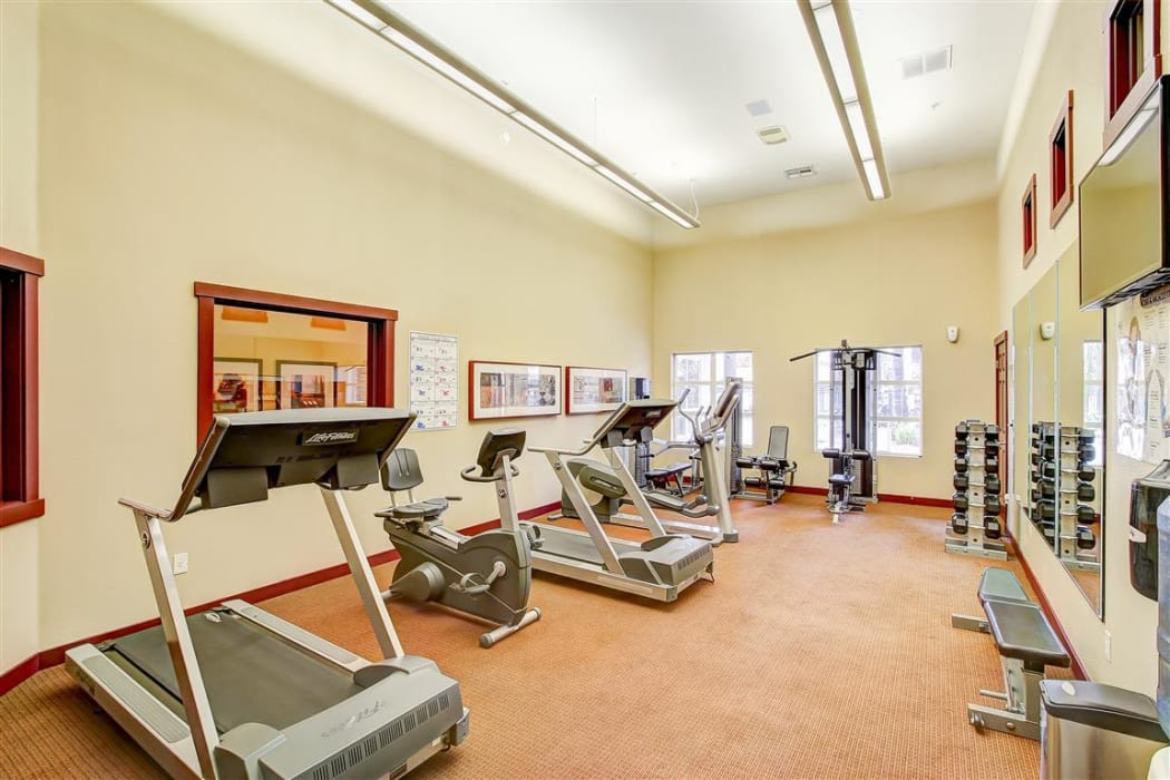 Fitness center at Eaglewood Apartments in Woodland, California