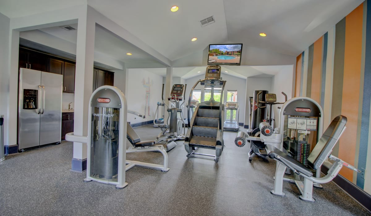 Our apartments in The Woodlands, Texas showcase a modern fitness center