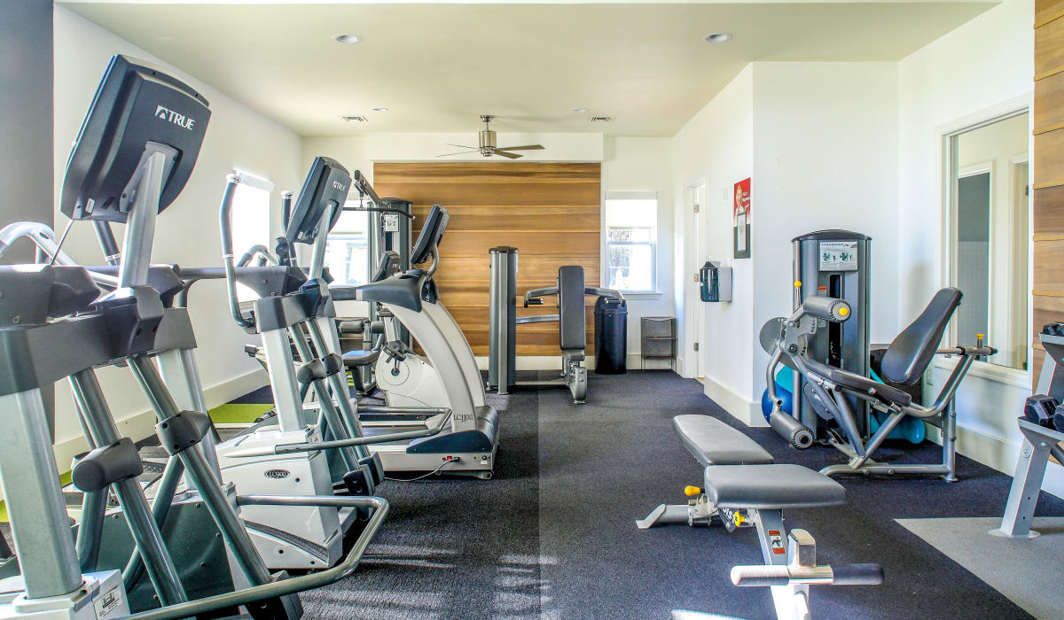 Fitness center at Steward's Crossing Apartment Homes in Lawrenceville, New Jersey