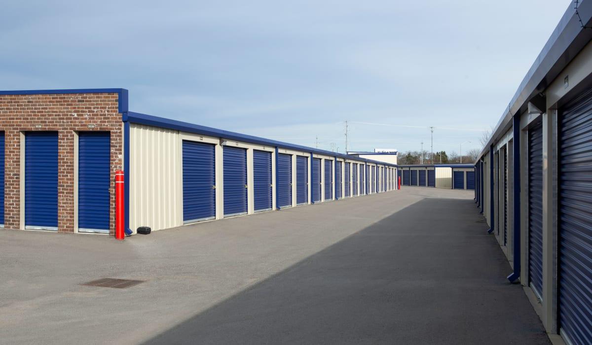 Drive up units at Midgard Self Storage in Murfreesboro, TN