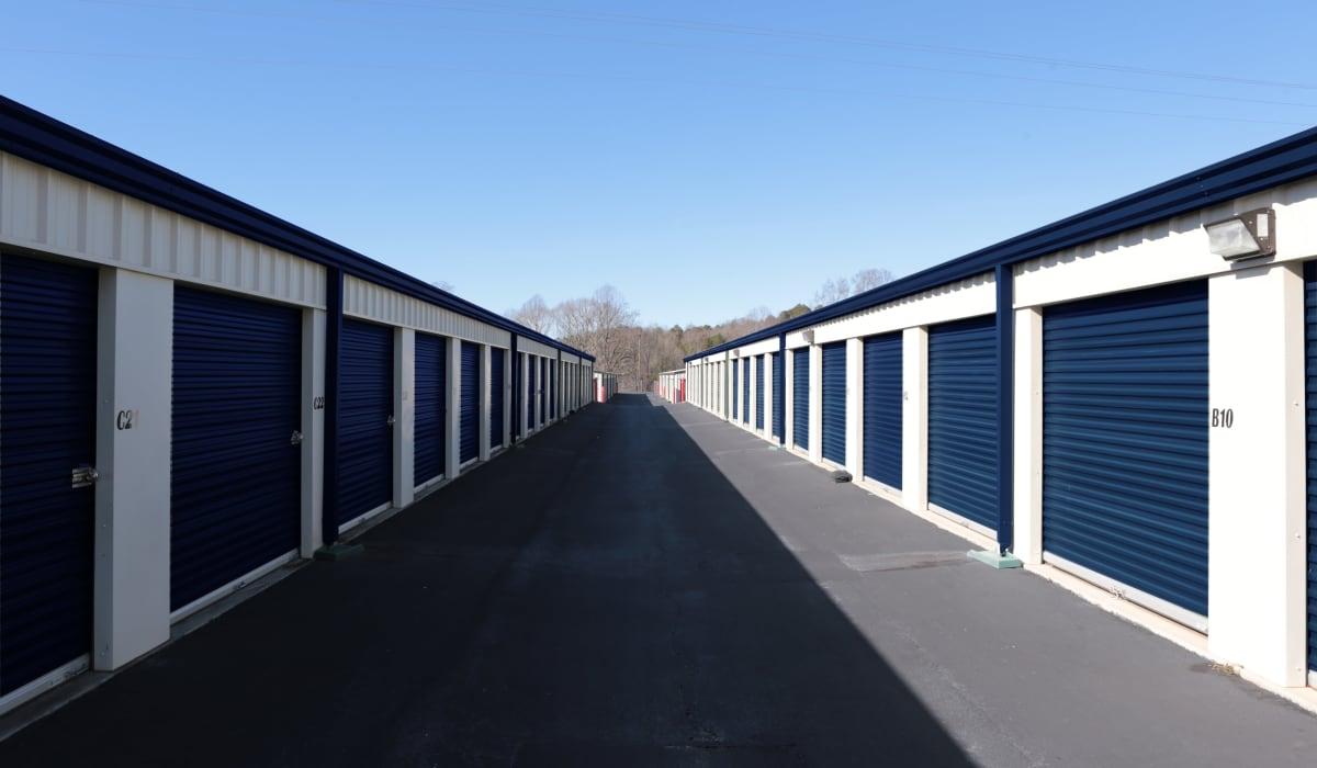 Drive up units at Midgard Self Storage in Eastanollee, Georgia