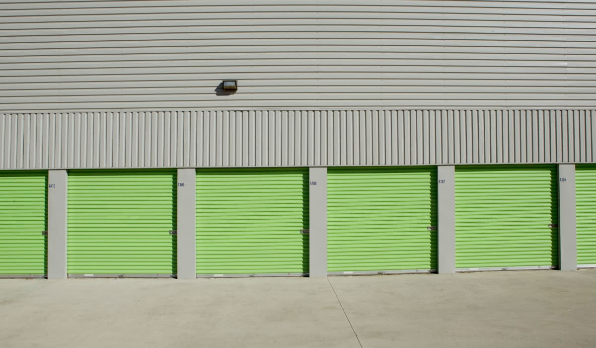 Exterior units of Midgard Self Storage in Florence, Alabama