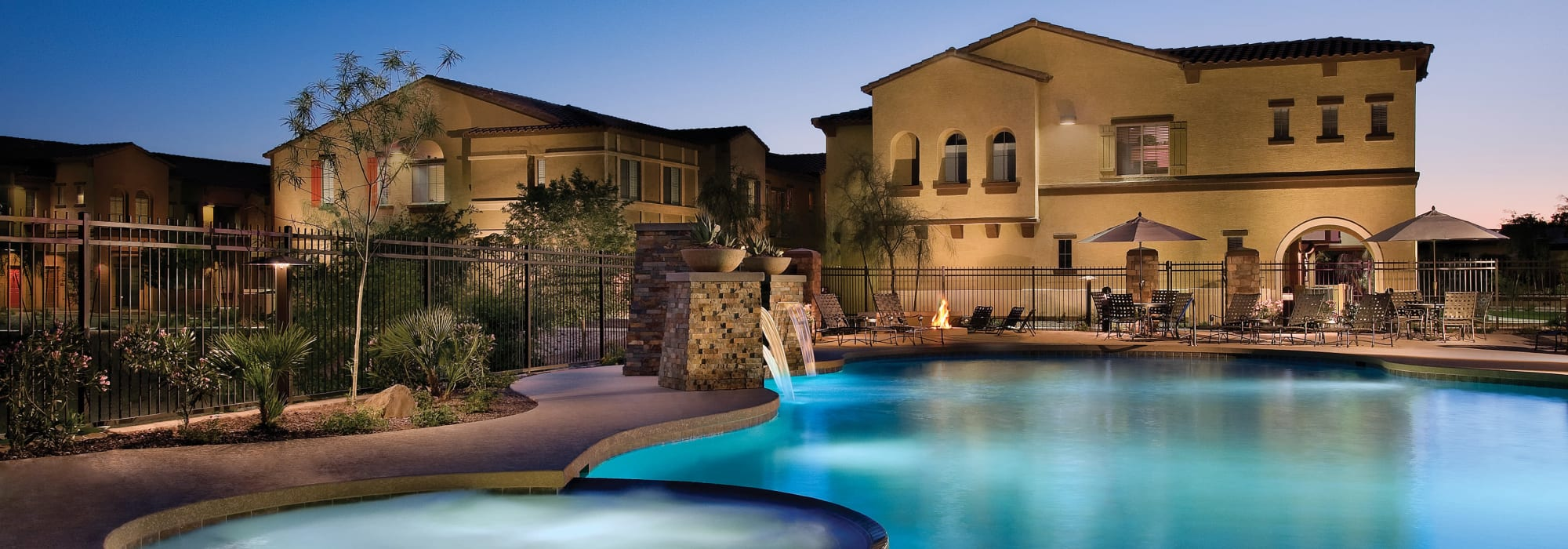 Resort style swimming pool and hot tub at Ravenwood Heights in Tempe, Arizona