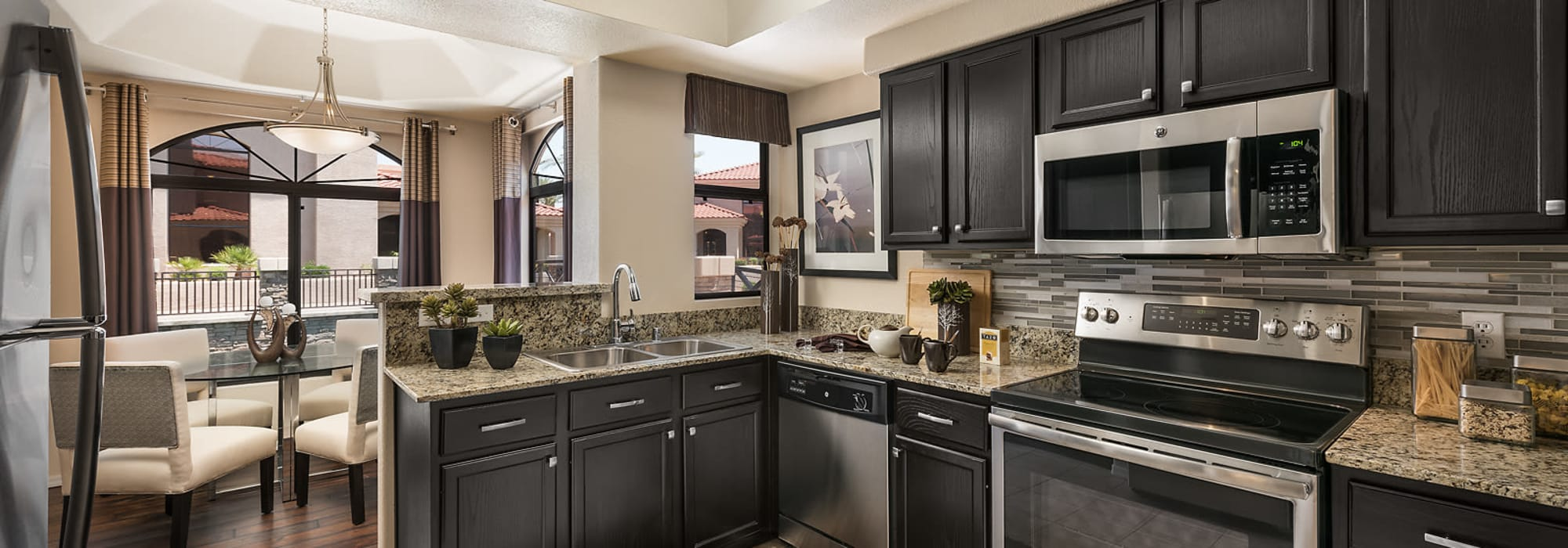 Beautiful upgraded kitchen interiors at San Lagos in Glendale, Arizona