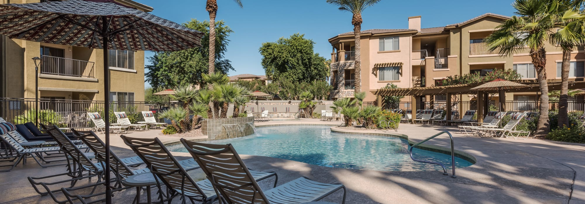Apartments with resort stile swimming pool at Azul at Spectrum in Gilbert, Arizona