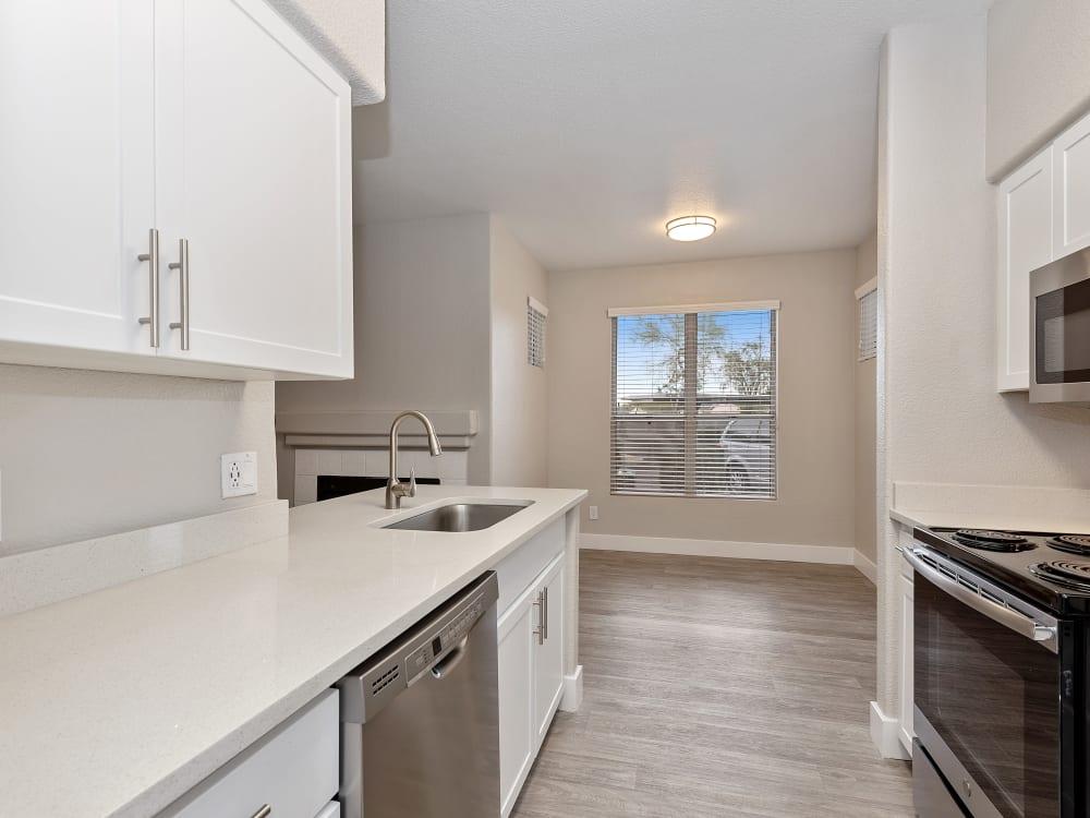 The Retreat Apartments in Phoenix, AZ offers a kitchen