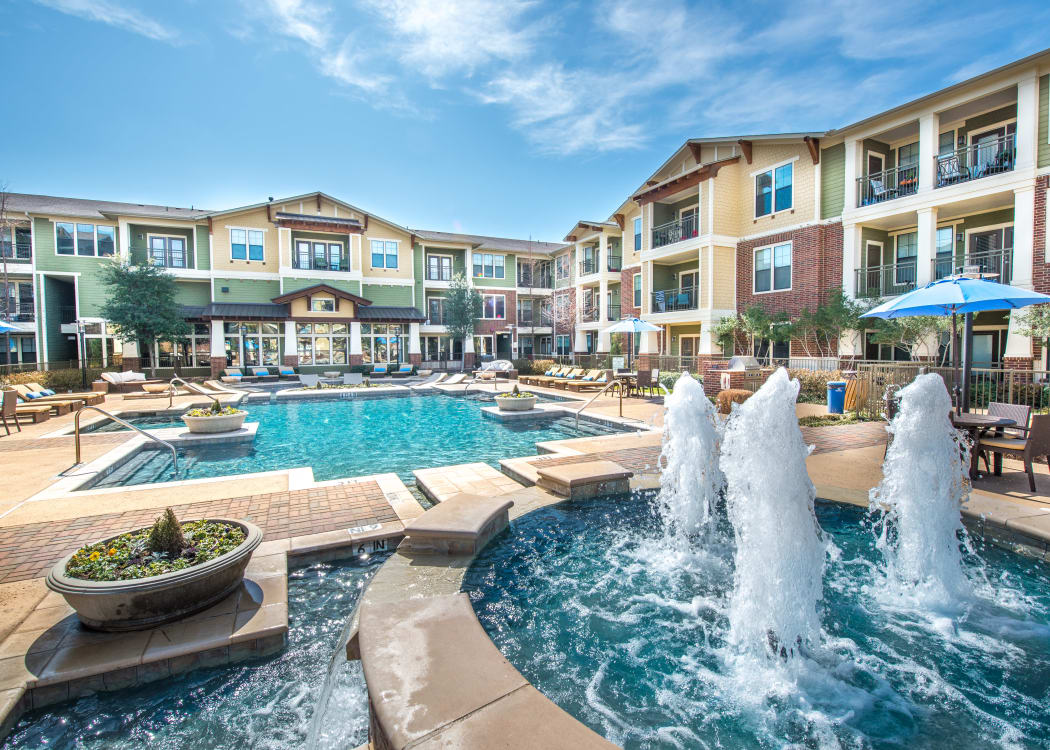 Pool with a fountain at Terrawood in Grapevine