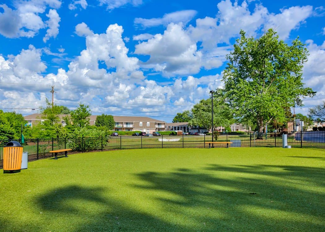 Dog park at 865 Bellevue Apartments in Nashville, Tennessee.