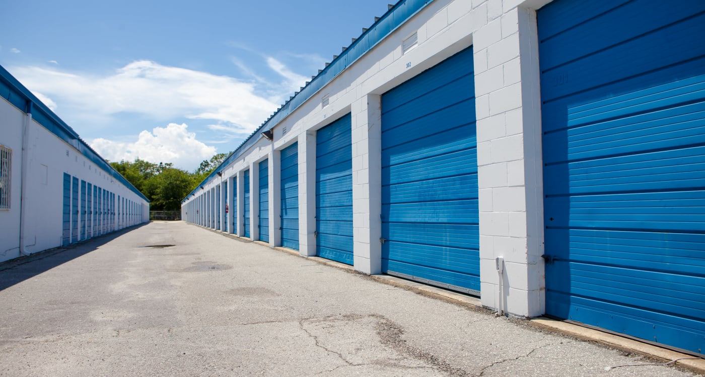 Drive-up units at Atlantic Self Storage location in Atlantic Beach