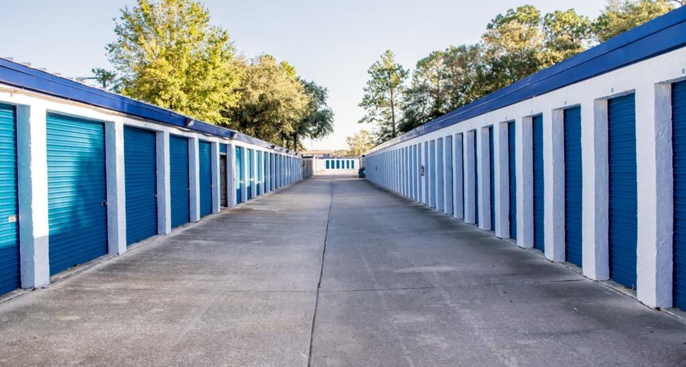 Exterior units at Atlantic Self Storage location in Jacksonville