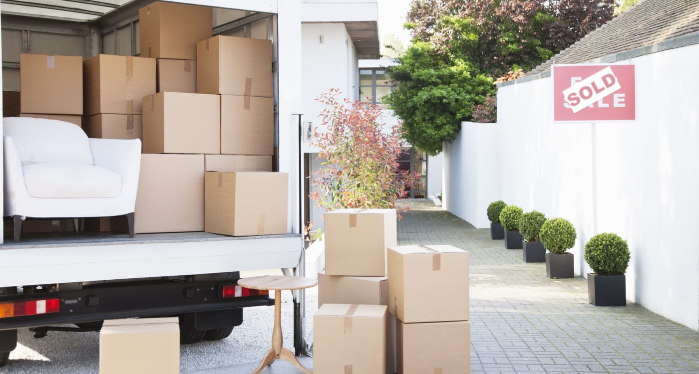 Atlantic Self Storage offers a complimentary moving truck