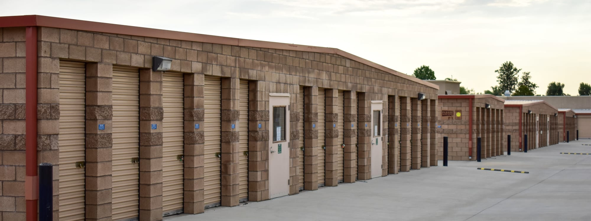 Self storage options at STOR-N-LOCK Self Storage in Redlands, California