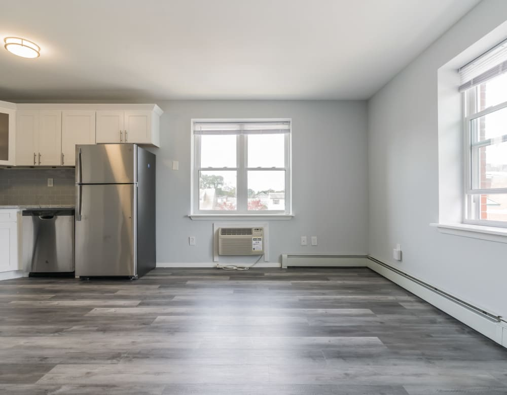 A large open floor plan at Bunt Commons I in Lindenhurst, New York